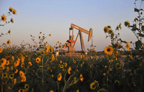 Цены на нефть рухнули на новостях об отсрочке переговоров ОПЕК+
