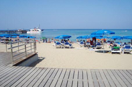 Британские и российские туристы внесены в «черный список» Кипра