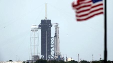Перший пілотований політ SpaceX може стати проривом для космічної галузі США