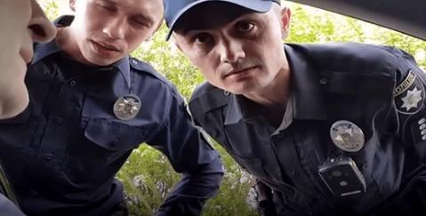 Вас зупинила поліція? – Маєте право на адвоката!