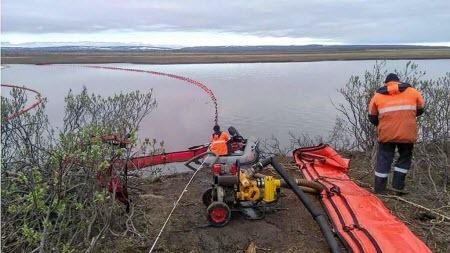 Российской Арктике грозит нефтяная чума