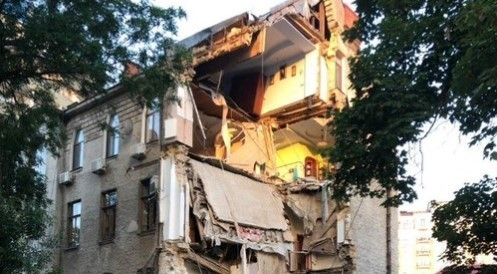 В Одессе на Французком бульваре разрушился 4-х этажный дом