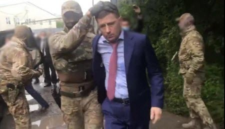 Кремль принимает решительные меры против неугодного губернатора