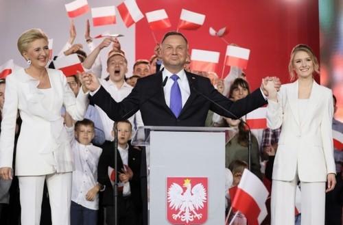 Екзит-поли: Анджей Дуда - 50,4% голосів, Рафал Тшасковський — 49,6%