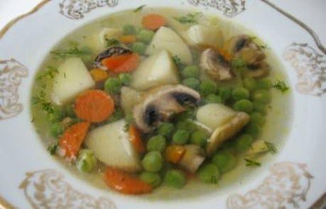 """Бабусині страви: """"Овочевий суп із зеленим горошком"""""""