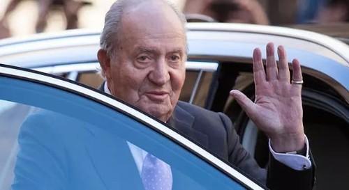 Бывший король Испании Хуан Карлос I скрылся в неизвестном направлении