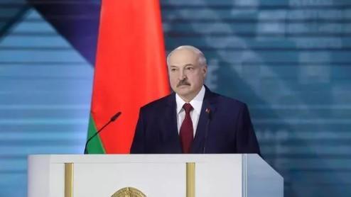 Александр Лукашенко: Беларусь — любимая, «а любимую не отдают»