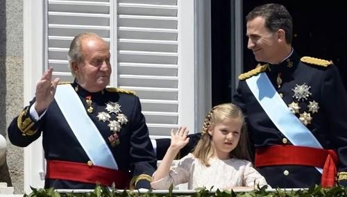 """""""Испанская монархия в большой опасности"""""""