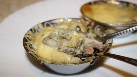 """Бабусині страви: """"Жюльєн із рибою з грибами"""""""