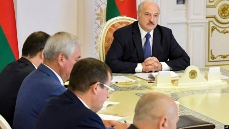 Лукашенко в окружении «врагов»