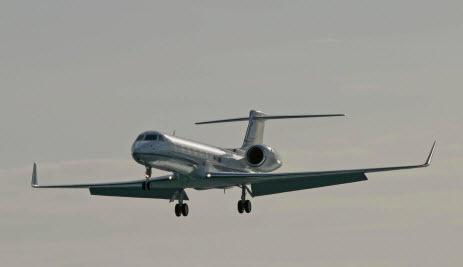 Что делает в Базеле самолет Лукашенко?