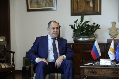 Визит Лаврова на Кипр: Скажи, кто твой друг...