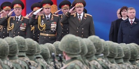 """""""От усиления границ до участия в войне с Украиной. Лукашенко только изображал гаранта ненападения"""" - Виталий Портников"""
