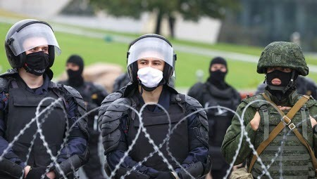 Телеграм-канал Nexta после задержаний на женском марше привел в действие угрозу опубликовать данные белорусских силовиков