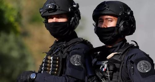 Нападение в Париже у бывшей редакции Charlie Hebdo: двое раненых