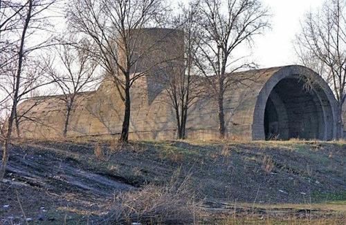100 Великих загадок історії України - Об'єкт № 1, або таємниця тунелю під Дніпром