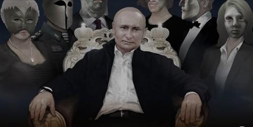 """""""ЖЕЛЕЗНЫЕ МАСКИ В ОКРУЖЕНИИ"""" - Игорь Яковенко"""