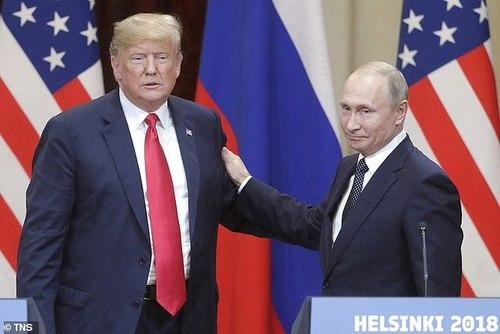 """КГБ начал разрабатывать """"молодого и тщеславного"""" Трампа 40 лет назад"""