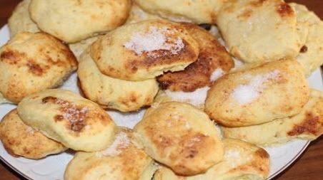 """Бабусині страви: """"Сирники-пиріжки в духовці"""""""