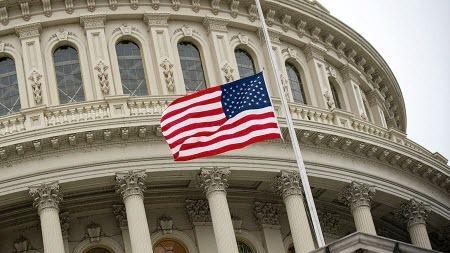 В США 62% опрошенных поддержали идею создания третьей партии власти