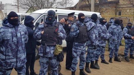 К крымским мусульманам пришли с обысками по семи адресам
