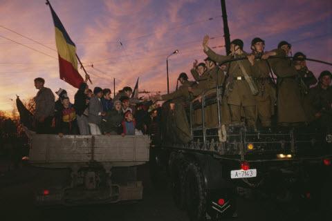 Румунська революція...нічого не нагадує?