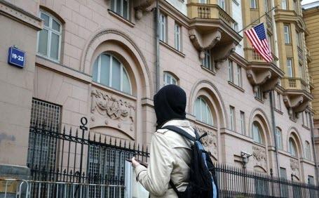 Из Москвы высылают пресс-секретаря посольства США Ребекку Росс