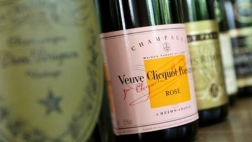 Путин запретил французам называть свою продукцию «шампанским»