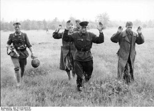 """""""17 липня 1942 року у російській історії вважається початком Сталінградської битви"""" - Павло Бондаренко"""