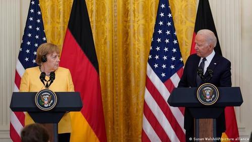 Зеленi чоловічки: П'ять головних висновків після домовленостей Байдена-Меркель