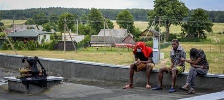 "Frankfurter Allgemeine: ""Мигранты здесь не нужны"""