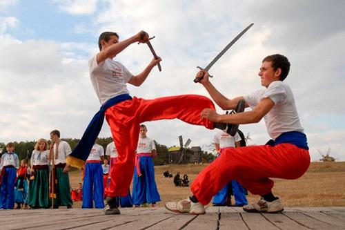 100 Великих постатей і подій козацької України - «Гопак» — не просто танець