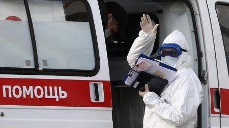 Пятый день подряд в РФ умирает больше 800 человек от COVID-19